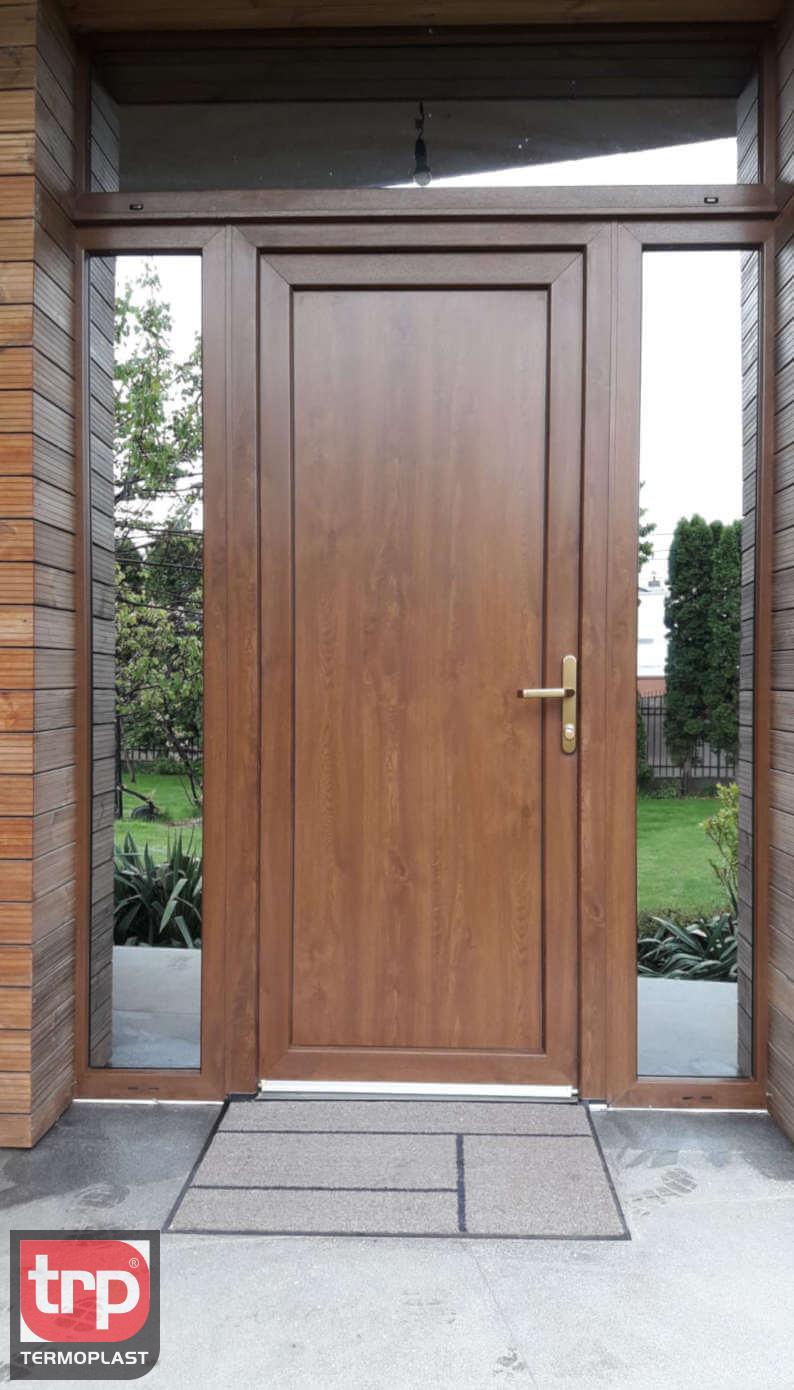 Termoplast - Portas com abertura central